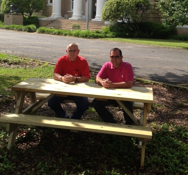 Chamber Donates Picnic Tables to Police Jury for Courthouse Lawn