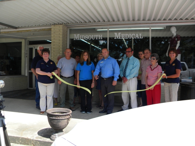 Ribbon Cutting Midsouth Medical Equipment